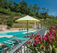 格里物里维迪蒙塔尔巴诺酒店