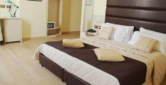 名豪大酒店 - 米兰 - 睡房