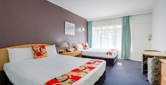 贝斯特韦斯特塞博莱汽车旅馆 - 科夫斯港 - 睡房
