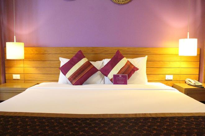 查登萨通酒店 - 曼谷 - 睡房