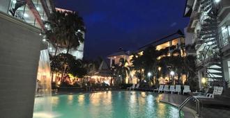 北极点酒店 - 清迈 - 游泳池