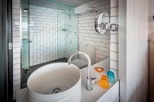 奥克兰M社交酒店 - 奥克兰 - 浴室