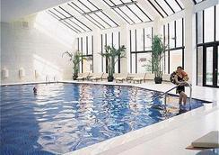 Zhaolong Hotel - 北京 - 游泳池