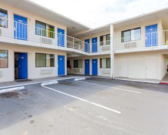 克拉马斯福尔斯汽车旅馆 - 克拉马斯福尔斯 - 建筑