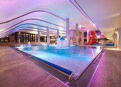 斯维诺乌伊希切丽笙布鲁酒店 - 斯维诺乌伊希切 - 游泳池