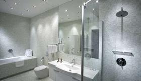 城市公园公寓酒店 - 波兹南 - 浴室