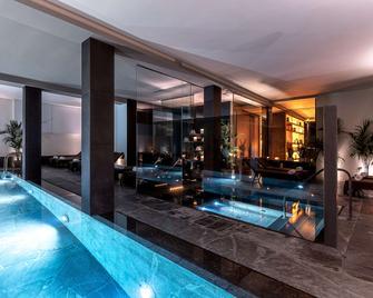 维多利亚宫酒店 - 卡托利卡 - 游泳池
