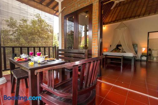 巴厘岛热带酒店 - 登巴萨 - 睡房