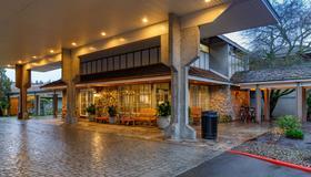 贝尔维尤红狮酒店 - 贝尔维尤 - 建筑
