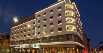 斯隆贝斯特韦斯特高级酒店 - 卢布尔雅那 - 建筑