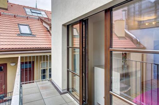 4间艺术套房酒店 - 布拉格 - 阳台