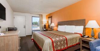 戴斯汽车旅馆诺福克机场 - 诺福克 - 睡房