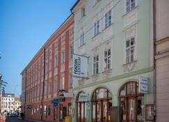 中央餐厅旅馆 - 捷克布杰约维采 - 建筑