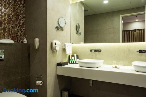 孟买费恩公寓酒店 - 孟买 - 浴室