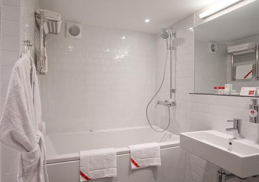 缤客 - 符拉迪沃斯托克阿兹姆酒店 - 符拉迪沃斯托克 - 浴室