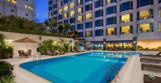 雅加达千禧大酒店 - 雅加达 - 游泳池
