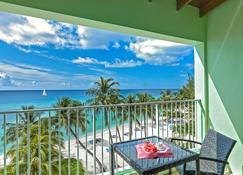 椰子园海滩酒店 - 布里奇敦 - 阳台