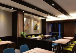 万事达旅店中华店 - 台北 - 餐馆
