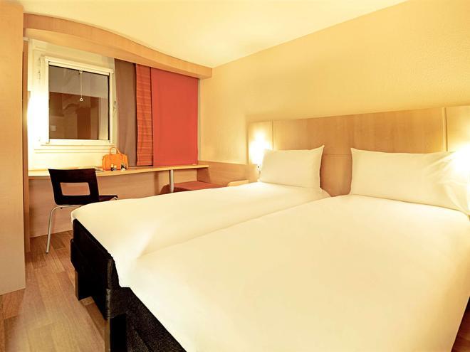 宜必思巴黎蒙马特尔18eme酒店 - 巴黎 - 睡房