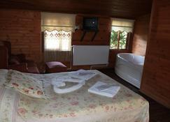 埃柯朗德酒店 - 赛尔 - 睡房