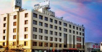 银云和宴会酒店 - 艾哈迈达巴德