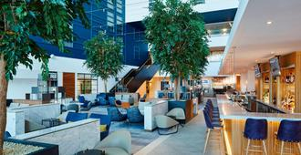伦敦希思罗机场万豪酒店 - 海斯 - 餐馆
