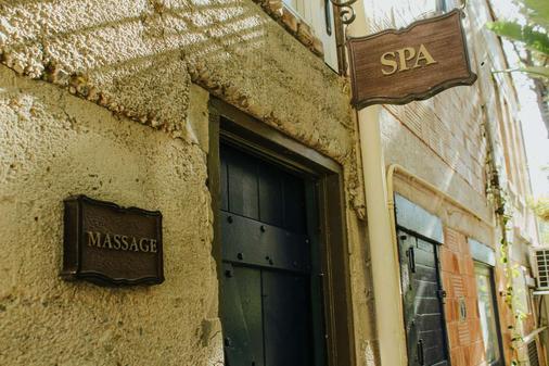 卡萨拉古纳温泉酒店 - 拉古纳海滩 - 建筑