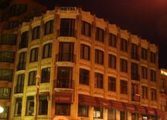 特拉斯酒店 - 德帕内 - 建筑