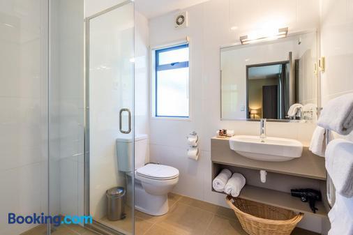 萨伊尔斯汽车旅馆 - 陶波 - 浴室
