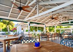 沙堡海滩酒店 - 仅供成人入住 - 弗雷德里克斯特德 - 餐馆