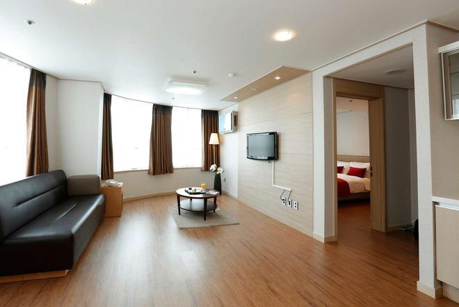 首尔东大门华美达酒店 - 首尔 - 客厅