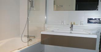 贝斯特韦斯特阿卡库酒店 - 艾克斯莱班 - 浴室