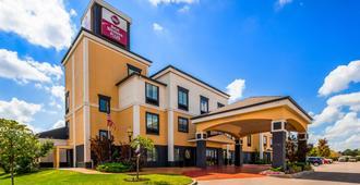 贝斯汀韦斯特巴尔萨纳酒店及套房 - 奥克拉荷马市 - 建筑