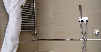 乐帕西挪Spa酒店 - 勒阿弗尔 - 浴室