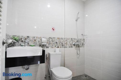 考朗广场酒店 - Wichit - 浴室