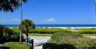 加勒比海滩俱乐部酒店 - 迈尔斯堡海滩 - 户外景观