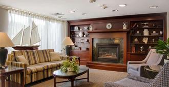 波士顿华美达酒店 - 波士顿 - 客厅