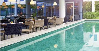 诺富特里约热内卢奥林匹克公园酒店 - 里约热内卢 - 游泳池