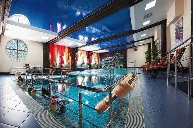 马特廖什卡广场商务酒店 - 萨马拉 - 游泳池