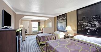 诺克斯维尔东速8汽车旅馆 - 诺克斯维尔 - 睡房