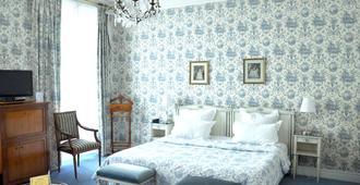 格兰德酒店 - 兰斯 - 睡房