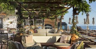 朋塔特拉嘉拉酒店 - 卡普里岛 - 露台