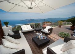 卡波罗索酒店 - 皮亚纳 - 阳台