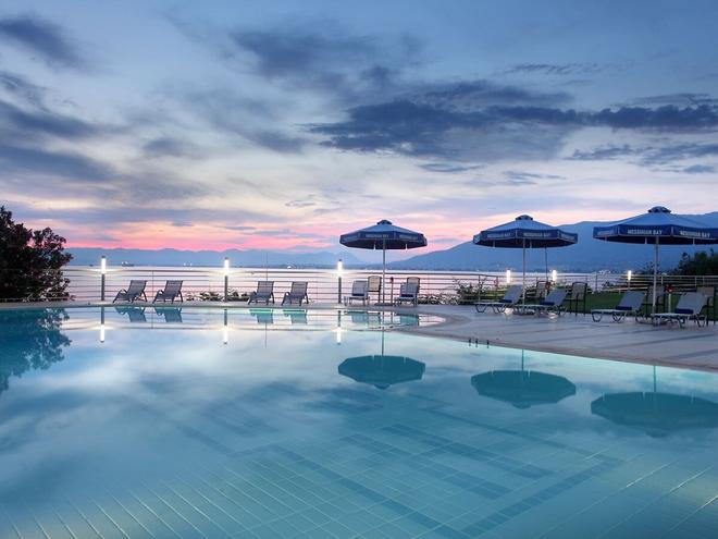 梅西尼亚湾酒店 - 卡拉马塔 - 游泳池