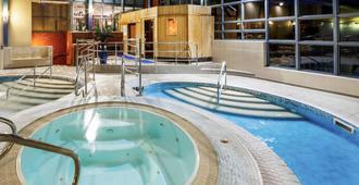 切斯特艾伯特威尔美居酒店 - 切斯特 - 游泳池