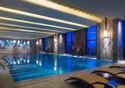 义乌万达嘉华酒店 - 义乌 - 游泳池