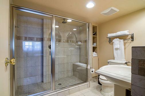 花园城US-83号公路克拉丽奥酒店 - 加登城(堪萨斯州) - 浴室