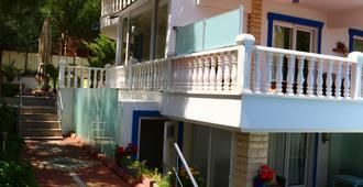 春达古札亚里酒店 - 艾瓦勒克 - 建筑