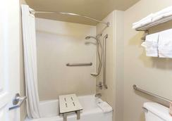 托伦斯lax机场区速8酒店 - 托伦斯 - 浴室