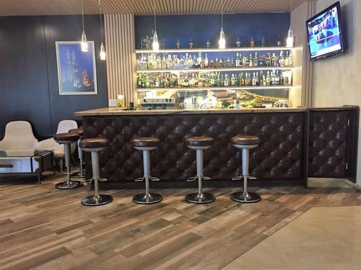 瓦尔纳金色郁金香酒店 - 瓦尔纳 - 酒吧